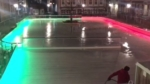Skøjtebane med festligt lys