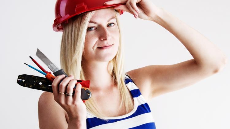 Analyse: Flere kvindelige elektrikere på vej